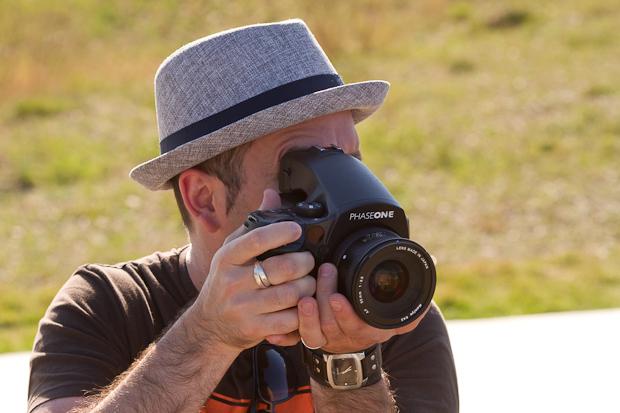 medium format digital camera