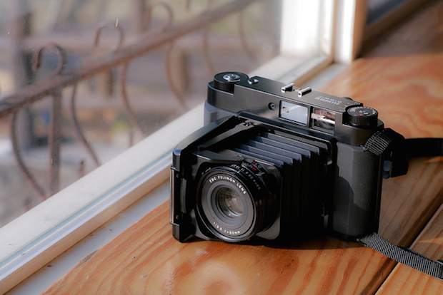 medium format digital camera