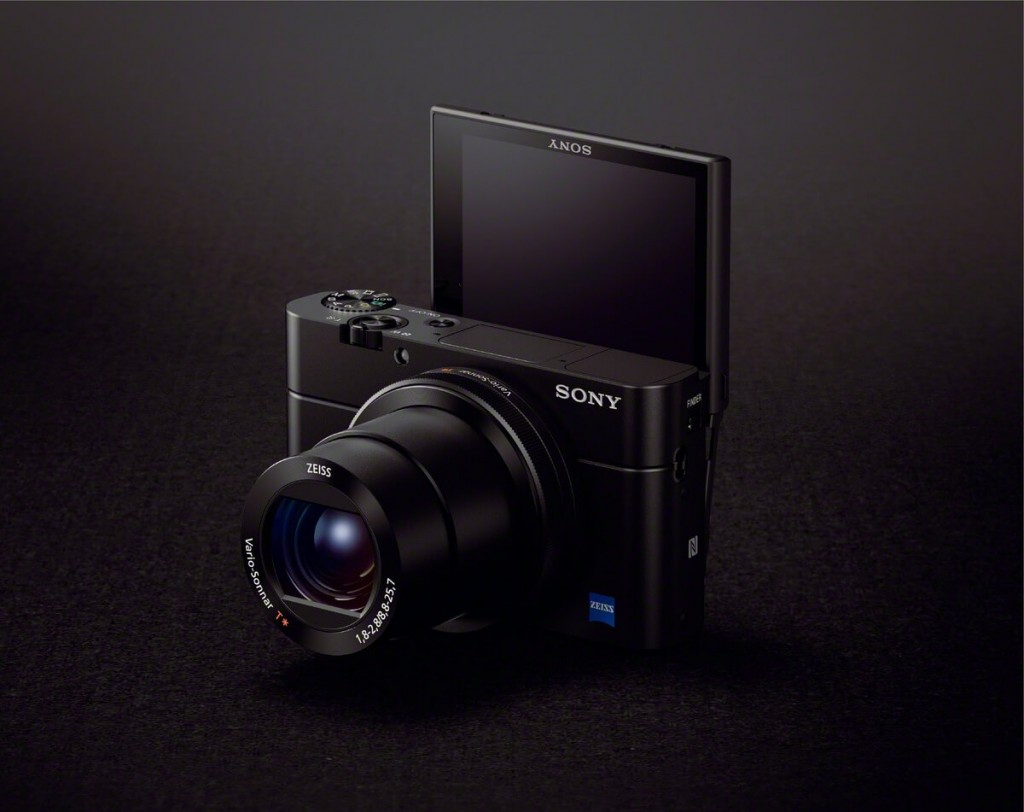 Sony RX100 III with EVF and turning LCD screen