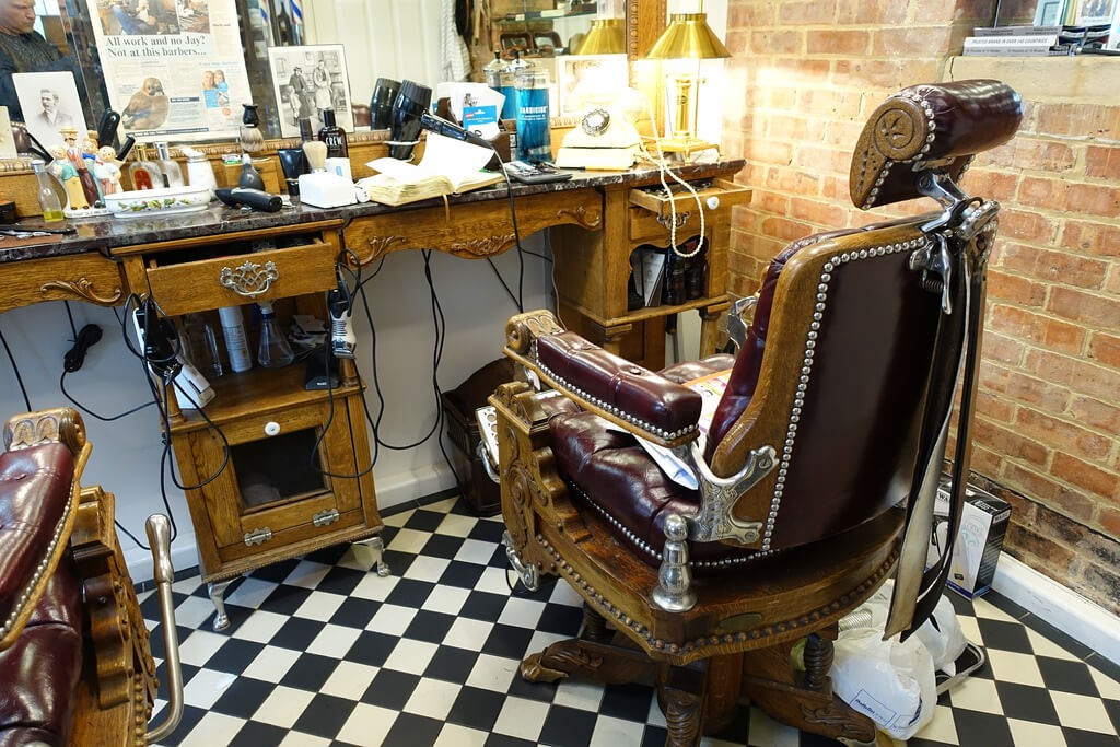 Sony RX100 III image sample with barbershop chair