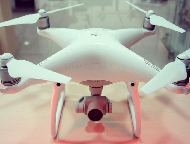 dji phantom 4 best drone with camera no 2