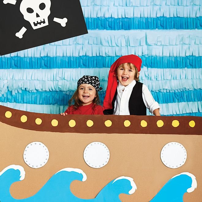 two kids dressed as pirates