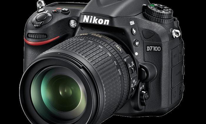 Nikon D7100 SLR camera