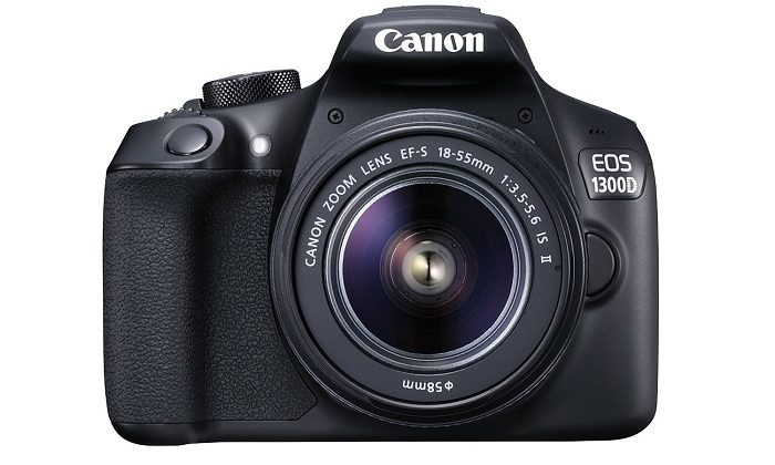 Canon EOS 1300D body and lens
