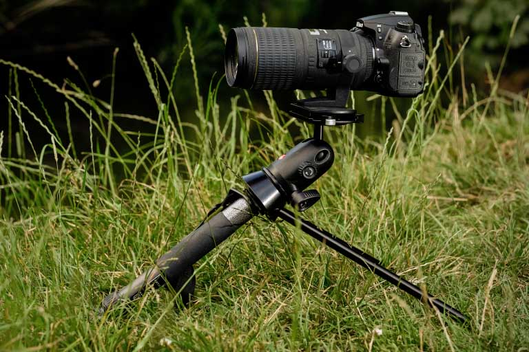 camera with a superzoom lens