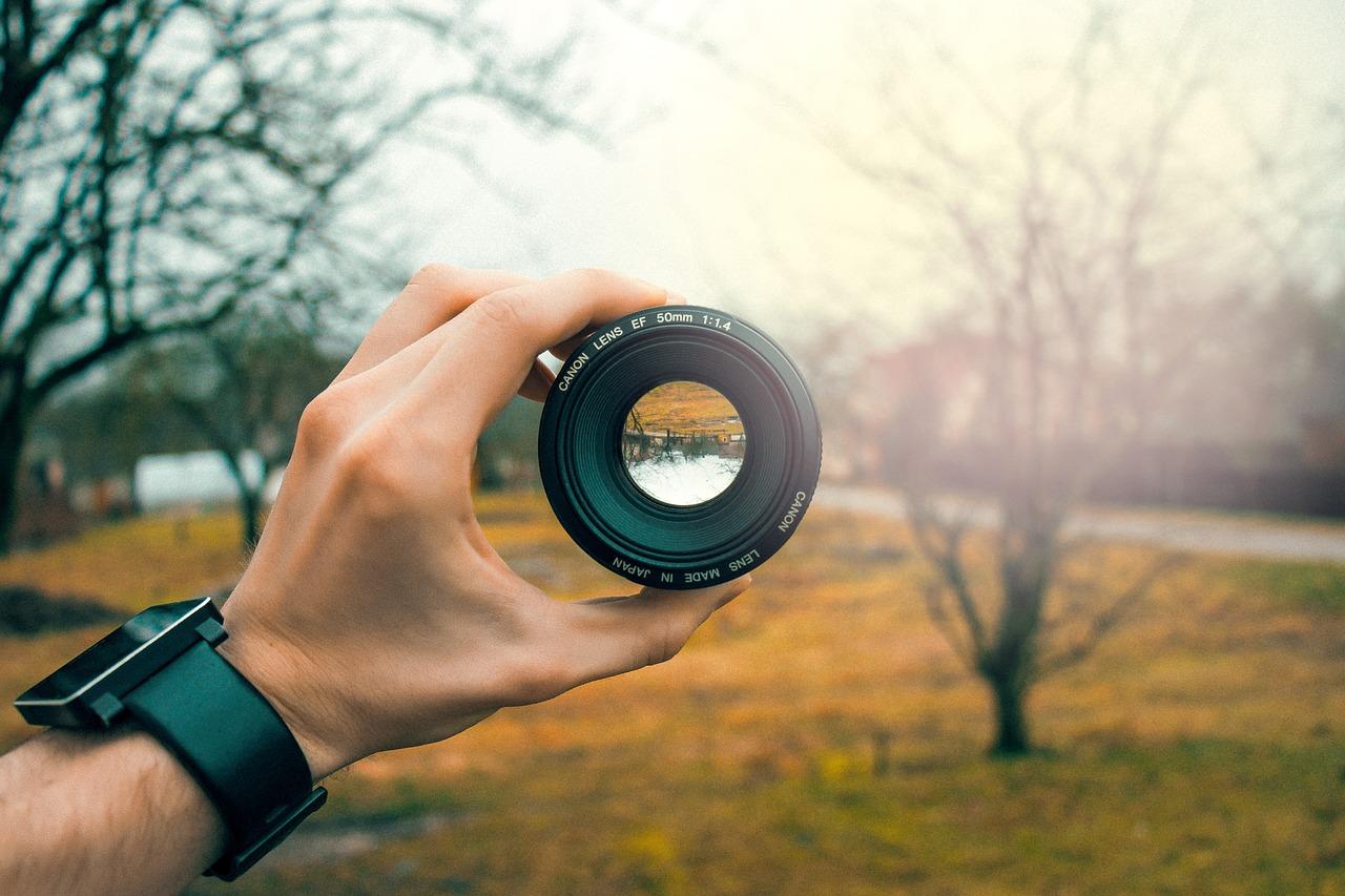 lens-3046269_1280